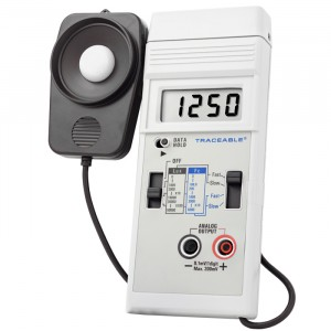 Dual-Range Traceable Light Meter